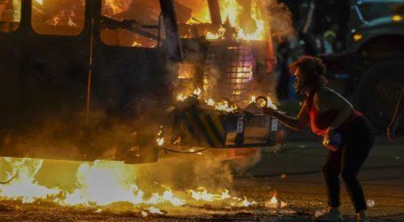 Τρίτη νύχτα ταραχών μετά τον πυροβολισμό Αφροαμερικανού από αστυνομικό