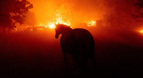 ΗΠΑ: Εκατοντάδες πυρκαγιές μαίνονται στην Καλιφόρνια