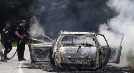 Λάρισα: Λαχτάρα για γυναίκα οδηγό – Το αυτοκίνητό της πήρε φωτιά εν κινήσει