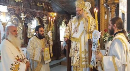 Στον Ιερό Ναό Παναγίας Αρμενίου λειτούργησε ο Ιερώνυμος (φωτο)