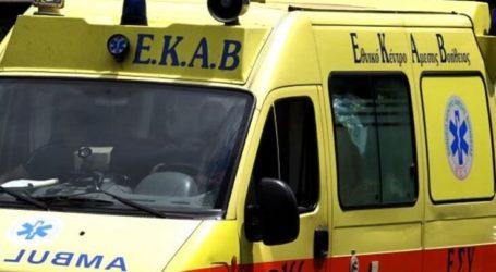 Εκτροπή μηχανής στη Λάρισα με δύο τραυματίες