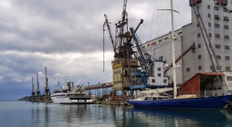 Ένταση και συλλήψεις στο λιμάνι του Βόλου: Εμπόδισαν την εκφόρτωση πλοίου
