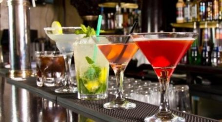 «Ανταρσία» στη Σκιάθο από καταστηματάρχες μπαρ – Άνοιξαν παρότι είχαν σφραγιστεί από την Αστυνομία