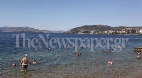Στις κοντινές παραλίες για βουτιές οι Βολιώτες – Δείτε εικόνες