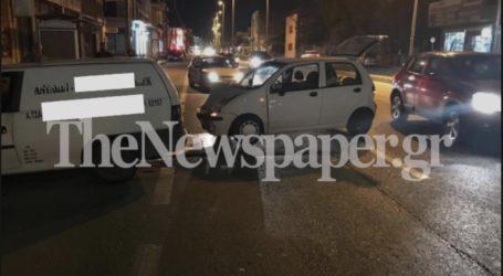 TΩΡΑ: Τροχαίο ατύχημα στον Βόλο – Δείτε εικόνες