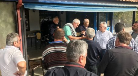 Σε χωριά των Φαρσάλων ο Μ. Χαρακόπουλος: «Ίδια τα μέτρα για Καρδίτσα και Φάρσαλα»