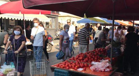 Βόλος: Με μάσκες και ιδιαίτερη προσοχή τα ψώνια στη λαϊκή αγορά – Δείτε εικόνες