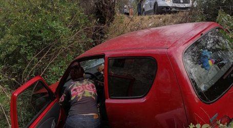 Τρομακτικό τροχαίο έξω από τον Βόλο – Στο χαντάκι ΙΧ και μηχανή [εικόνες]