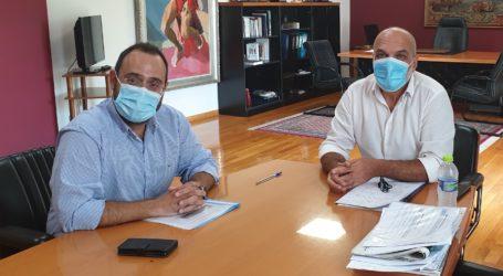Επίσκεψη του βουλευτή Κων. Μαραβέγια στον Αλμυρό και επιτόπου ενημέρωση για τα προβλήματα των περιοχής [εικόνες]
