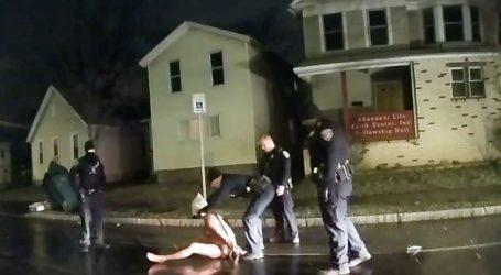 Αστυνομικοί σκοτώνουν Αφροαμερικανό βάζοντάς του σακούλα στο κεφάλι