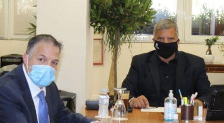 Η κρίση στο Αιγαίο και η ενίσχυση του τουρισμού στην Αττική, στη συνάντηση Πατούλη-Ραπτάκη