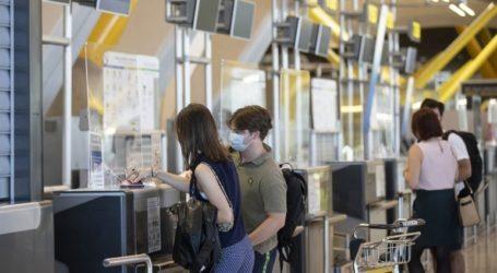 Θετικοί στον κορωνοϊό οκτώ επιβάτες πτήσης από Κρήτη για Λονδίνο