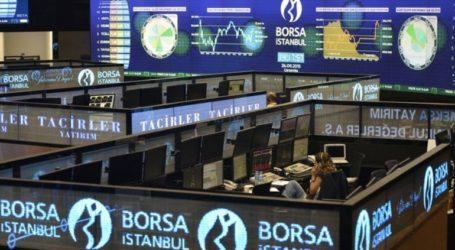 Η τουρκική λίρα πέρασε το 7,45 έναντι του δολαρίου