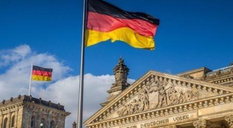 Το ένα τρίτο των Γερμανών πιστεύει στις θεωρίες συνωμοσίας