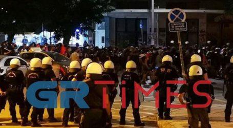 Μολότοφ και δακρυγόνα στο κέντρο της Θεσσαλονίκης