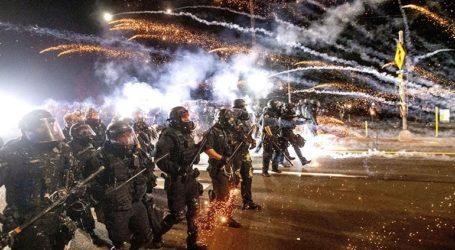 Ο δήμαρχος του Πόρτλαντ απαγόρευσε τη χρήση δακρυγόνων από την αστυνομία