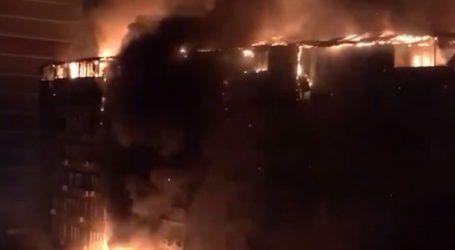 Μεγάλη φωτιά σε συγκρότημα κατοικιών στη Ρωσία