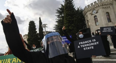 Διαδήλωση κατά της δημοσίευσης σκίτσων του Μωάμεθ από το Charlie Hebdo