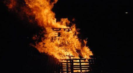 Τουλάχιστον 10 μαθητές σκοτώθηκαν σε φωτιά που ξέσπασε σε κοιτώνα
