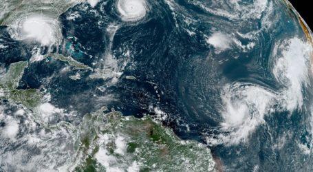 Ο κυκλώνας Σάλι απειλεί τις αμερικανικές ακτές