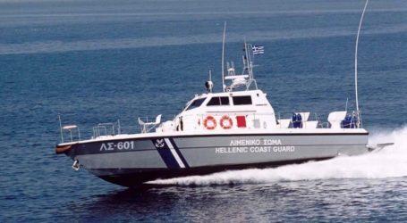 Σε εξέλιξη επιχείρηση του Λιμενικού για τον εντοπισμό αγνοουμένων μετά τη βύθιση σκάφους