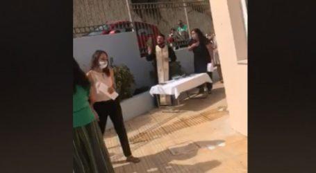 Συνελήφθη ο ιερέας μετά το κήρυγμα για τις μάσκες