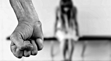 Άντρας ξυλοκόπησε τη σύντροφό του μέχρι λιποθυμίας