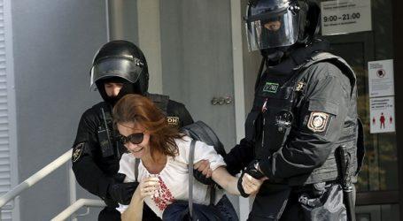 Η αστυνομία συνέλαβε τουλάχιστον δέκα διαδηλωτές στο Μινσκ