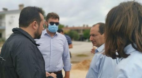 Επίσκεψη κλιμακίου του ΣΥΡΙΖΑ στα σημεία του Αλμυρού που έχουν πληγεί από την κακοκαιρία