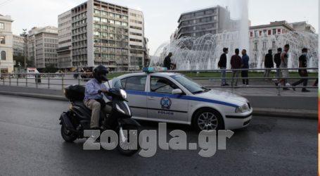 Εικόνες από τις περιπολίες της ΕΛΑΣ στα πάρκα της Αθήνας για την αποφυγή συγκεντρώσεων