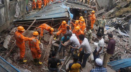 Σε 35 αυξήθηκε ο αριθμός των νεκρών από την κατάρρευση κτηρίου κοντά στο Μουμπάι