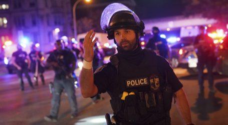 Αστυνομικός τραυματίστηκε από σφαίρα κατά τη διάρκεια διαδηλώσεων στη Λούιβιλ