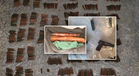 Εκρηκτικά, πυροκροτητές και φυσίγγια καλάσνικοφ βρέθηκαν στη γιάφκα στο Κουκάκι