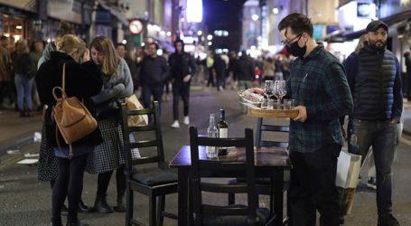 Το Ηνωμένο Βασίλειο εξετάζει την επιβολή αυστηρότερων περιορισμών λόγω κορωνοϊού