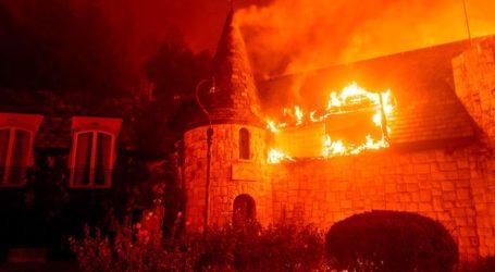 Εκκενώνονται εκατοντάδες σπίτια και ένα νοσοκομείο στην κοιλάδα της Νάπα λόγω φωτιάς