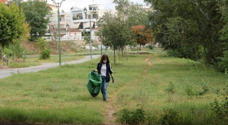 Πλήθος εθελοντών στη Λάρισα καθάρισαν τις όχθες του Πηνειού (φωτο)