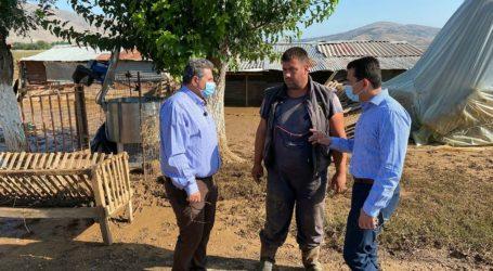 Αυτοψία σε πληγείσες περιοχές του Δήμου Φαρσάλων από τον υφυπουργό Αγροτικής Ανάπτυξης και τον Δήμαρχο Φαρσάλων (φωτο)