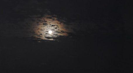 Υπέροχο, επιβλητικό, ολόγιομο φεγγάρι πάνω από τη Λάρισα (φωτο)