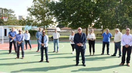 Παραδόθηκε το πρώτο από τα τρία γήπεδα μπάσκετ του Δήμου Ρήγα Φεραίου