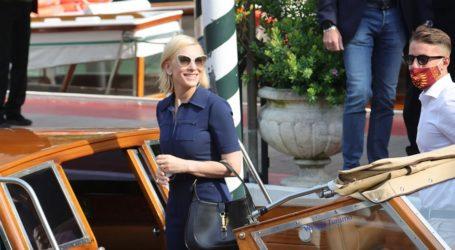 H Cate Blanchett μόλις εμφανίστηκε με την πιο περιζήτητη τσάντα της νέας σεζόν!