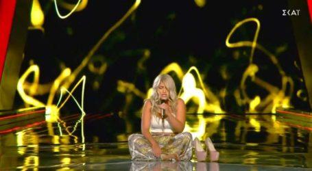 The Voice: Η Βασιλική Μέση γύρισε τις καρέκλες στο λεπτό με την ερμηνεία της!