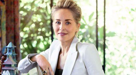 Συγκλονίζει η Sharon Stone: «Σκηνοθέτης μου ζήτησε να καθίσω στα γόνατά του για να μου δώσει οδηγίες»