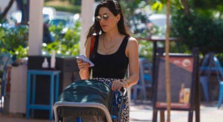 Φλορίντα Πετρουτσέλι: Βόλτα με τον νεογέννητο γιο της και άψογο στυλ