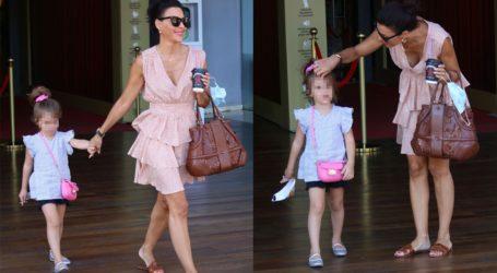 Η stylish εμφάνιση της Σίσσυς Φειδά με την κόρη της, Διώνη