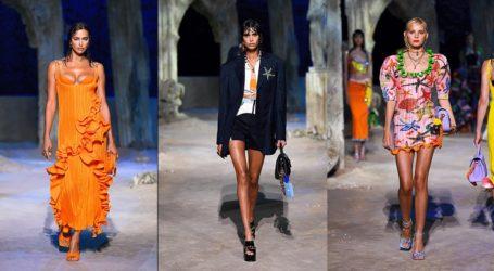 Milan Fashion Week: H SS21 συλλογή του οίκου Versace εμπνευσμένη από τον μυστηριώδη κόσμο του βυθού