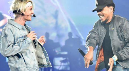 Justin Bieber και Chance The Rapper Team προσφέρουν 250.000 δολάρια σε όσους επλήγησαν από την πανδημία