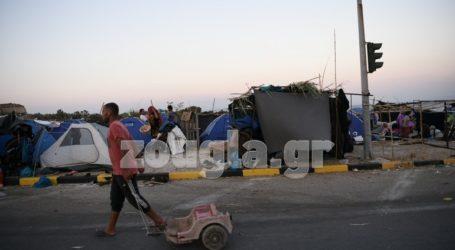 Στο δρόμο για 5η ημέρα χιλιάδες πρόσφυγες και μετανάστες