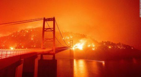 Τεράστιες πυρκαγιές κατακαίνε τη δυτική ακτή των ΗΠΑ