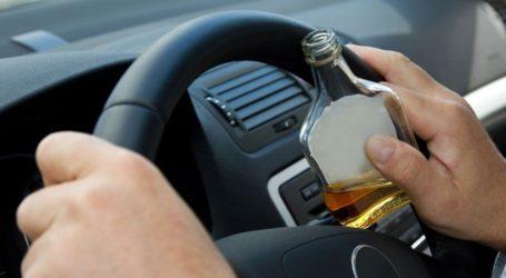 Χειροπέδες σε Βολιώτη που οδηγούσε μεθυσμένος
