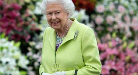 Η απίστευτη παραξενιά της βασίλισσας Ελισάβετ με τα μπιφτέκια